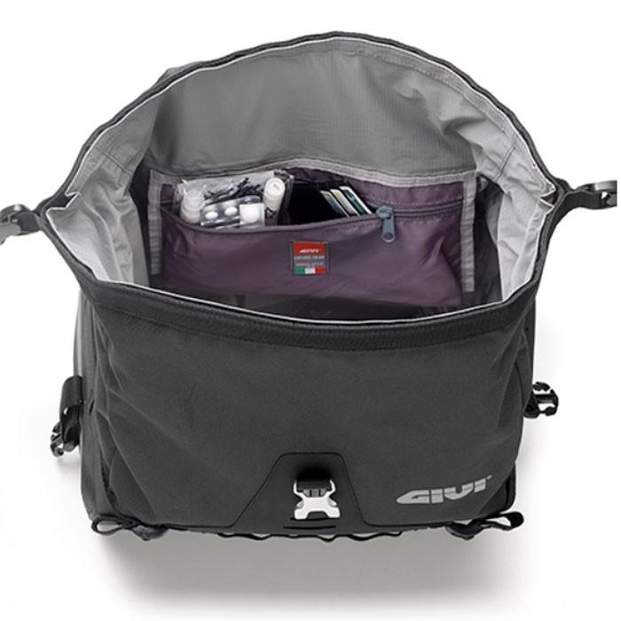 givi paire de sacoches cavali res ut808 moto gt tourisme tanches 2x25. Black Bedroom Furniture Sets. Home Design Ideas