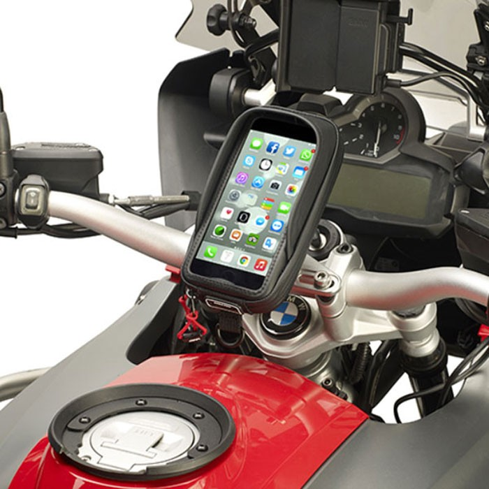 givi support universel s957b pour iphone 7 7 6 galaxy note moto scooter v lo fixation universelle. Black Bedroom Furniture Sets. Home Design Ideas